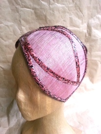 chapeau pétale, vue de 3:4 gauche